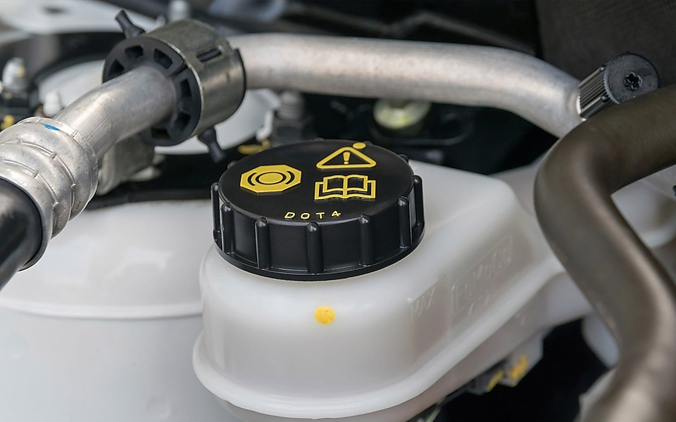 Adding Brake Fluid >> 4 Easy Steps On How To Check Your Brake Fluid Quaker State